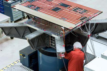 vibration-control-satellite-shaker-